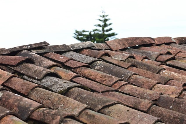 How To Prepare Your Home For A New Roof (AND Get A Free Roofing Estimate)